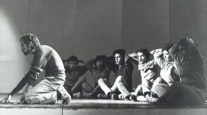 Foto Scena 1 - Spettacolo teatrale Voglio dirvi di un popolo che sfida la morte