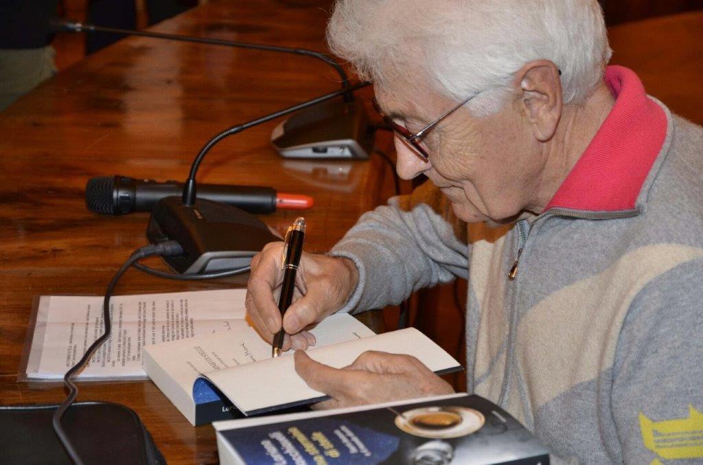 Piacevoli impegni d'autore, firmare autografi con dedica