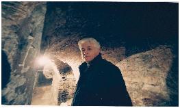 "Loriano Macchiavelli ne ""I sotterranei di Bologna"" (Foto Iguana Press)"