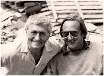 """Loriano Macchiavelli e Flavio Bonacci (il primo Sarti Antonio, sergente) sul set del film per la tv """"L'archivista"""""""
